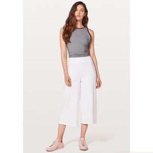 Lululemon Blissed Out Culottes 4 white high rise